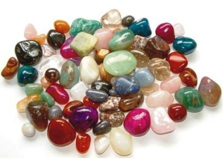 Zodiile şi bijuteriile din pietre semipreţioase