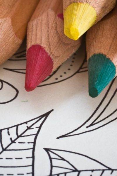 cărțile de colorat pentru adulți