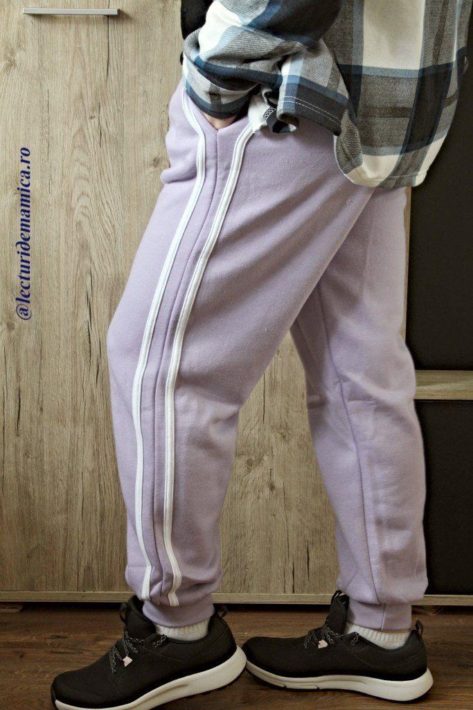 pantaloni lila
