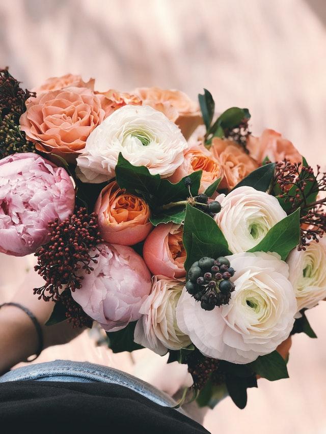 scurtează viața florilor din vază